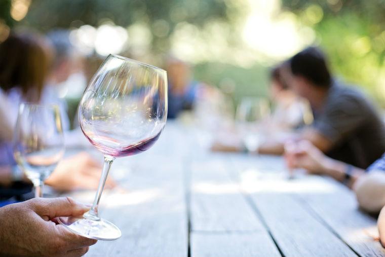 vino-bicchiere-vuoto
